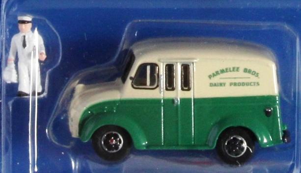 HO Divco Truck, Milkman, Carrier, Parmelee Broad Dairy, AHM